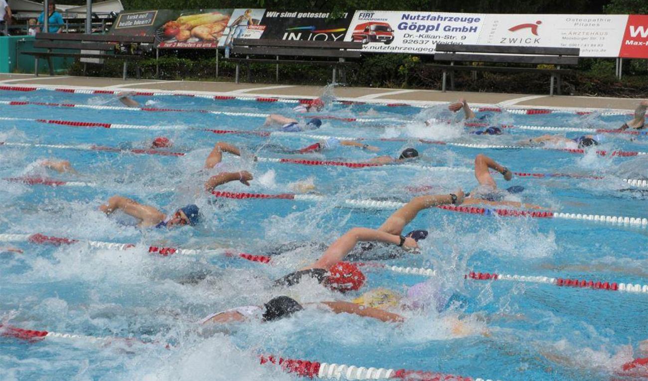 triathlon-team-event-schwimmen