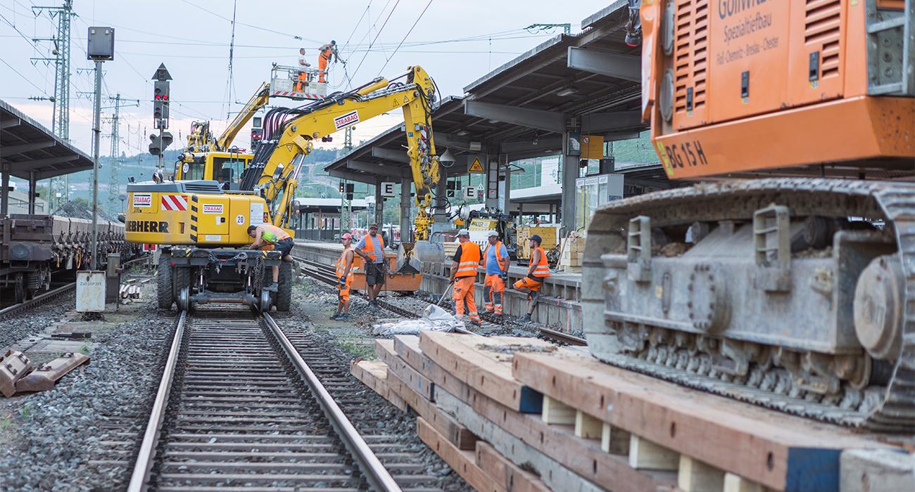 hauptbahnhof-wuerzburg-bauarbeiten-gleisbau